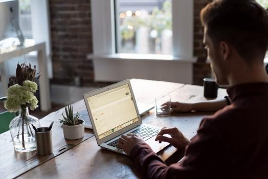 Cabinet de recrutement, job board, forfait : quelle option choisir pour vos recrutements ?