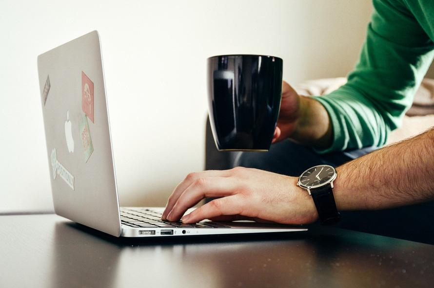 Déposer une offre d'emploi sur Facebook : c'est bientôt possible !